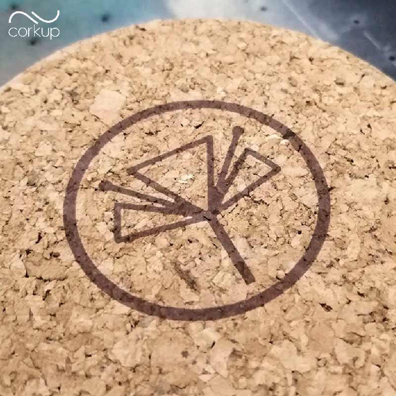 Boite en liège avec logo